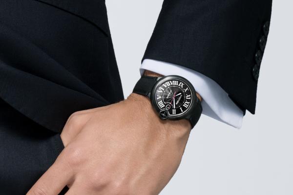 戴在手腕上的卡地亚腕表更加彰显你的气质
